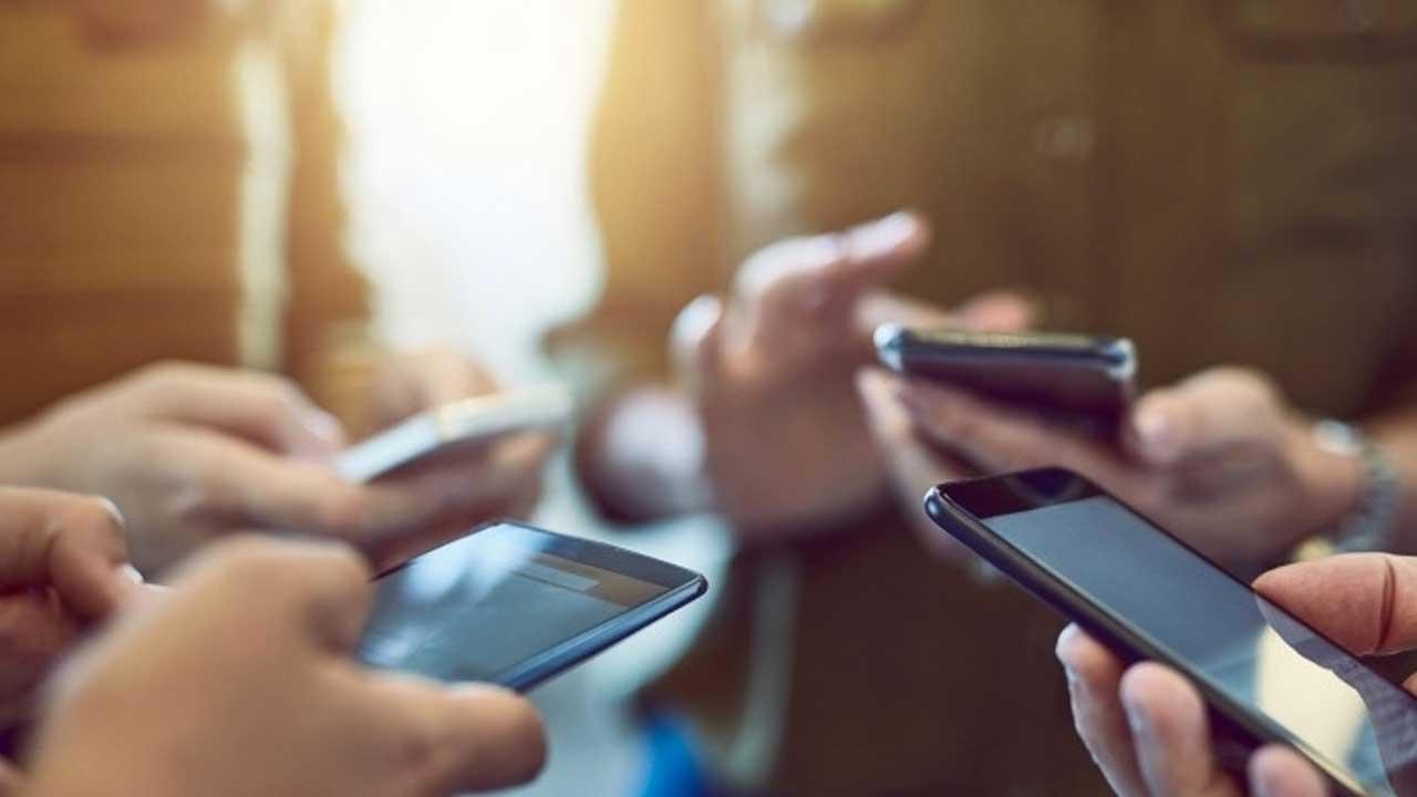 Alasan Mengapa Smartphone Low Entry Laku Keras